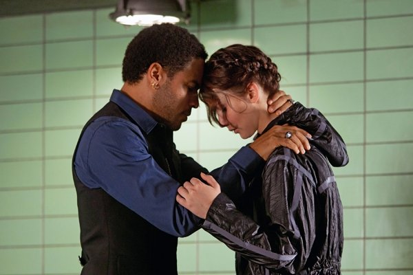 Katniss-and-Cinna.jpg
