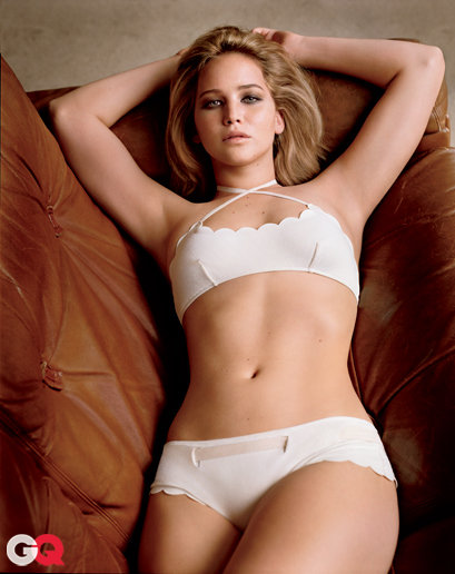 Jennifer_Lawrence_looking_almost_nude_in_her_bra_and_panties_03.jpg